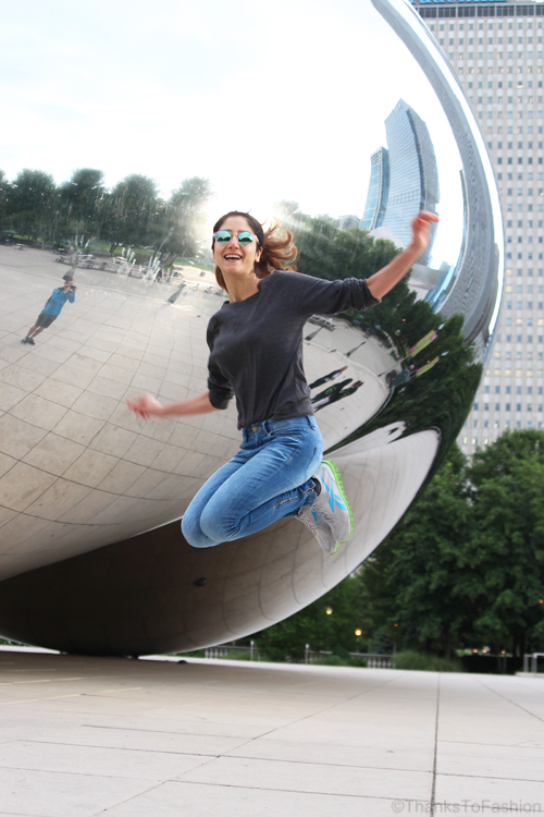 An Early Bird on the Streets of Chicago – Millennium Park