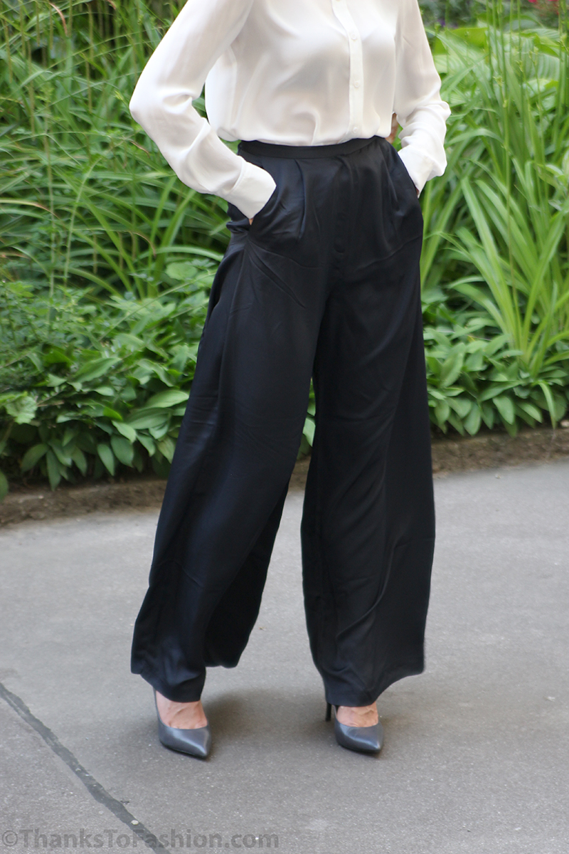 Whether you're feelin' the tailored look or want to rock a pair of palazzos, we've got you covered when it comes to wide leg pants. Channel 70's vibes and bring out the bohemian babe in some totally rad flared pants or click sharp to take home a pair of seriously stylish culottes.