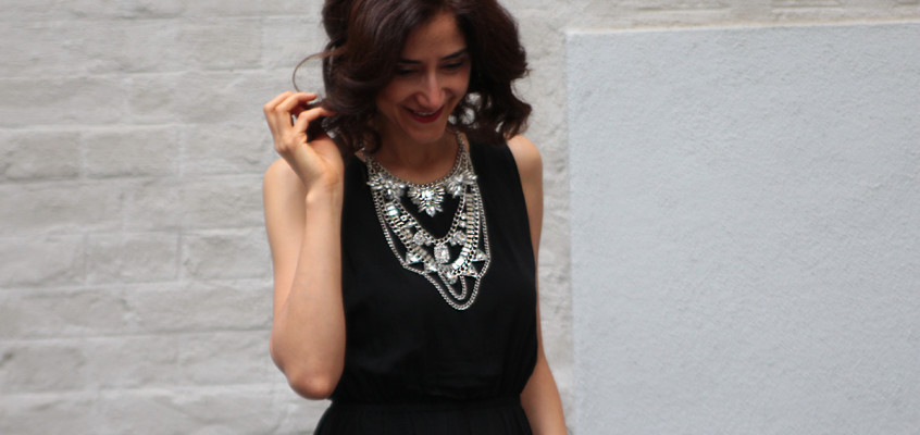 Eye-catching statement necklace